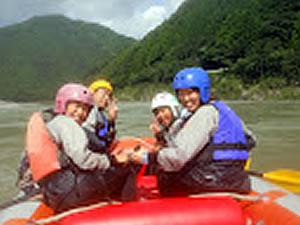 増水した那賀川を!